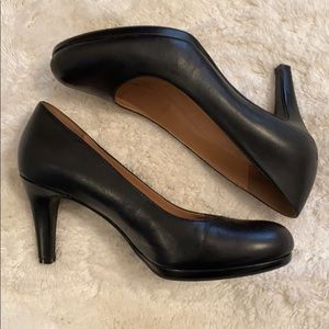Naturalizer black leather heels.